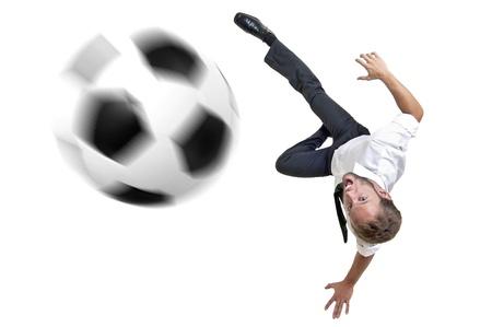 Hombre de negocios con balón de fútbol en el saque de acrobacia Foto de archivo - 11839962