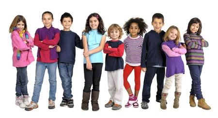 Groep kinderen geà ¯ soleerd in wit