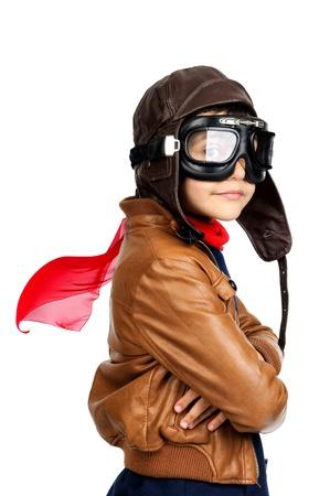 piloto: Piloto muchacho joven aislado en blanco