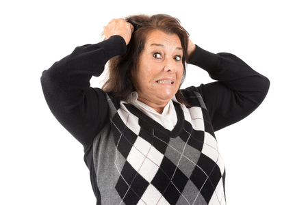 desperate: Mujer mayor desesperada aislado en un fondo blanco