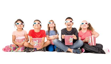 3d 안경 및 팝콘과 어린이의 그룹 스톡 콘텐츠
