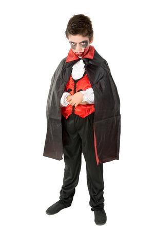 얼굴 - 페인트와 뱀파이어 할로윈 의상을 입고있는 소년