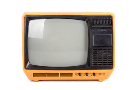 Viejo televisor retro aislado en un fondo blanco.