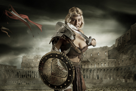 Ancient woman warrior or Gladiator in the arena Imagens