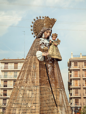 cid: VALENCIA, SPAIN - MARCH 15: Virgen de los Desamparados,patron saint of Valencia, in the traditional flower offering celebration in praise of Saint Joseph on March 18, 2015 in Valencia, Spain. Editorial