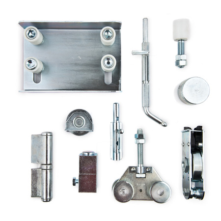 ironmongery: elementos de hardware sobre el fondo blanco aislado