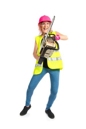 mujer trabajadora: Mujer del trabajador con motosierra sobre el fondo blanco