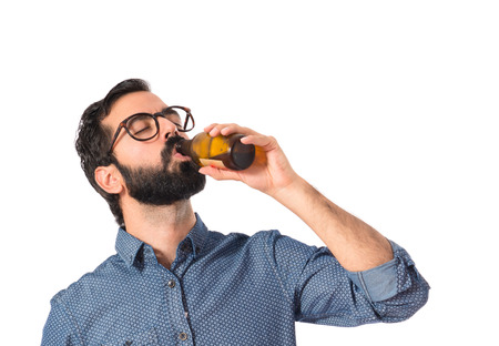 grunge bottle: Drunk person drinking beer