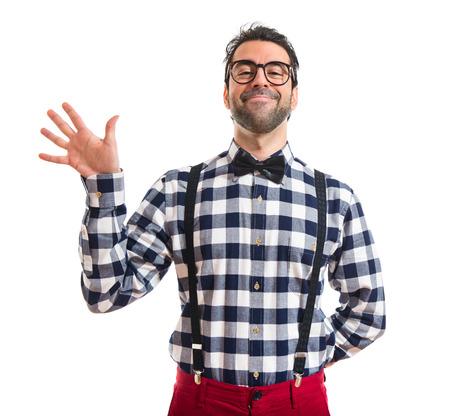 personas saludando: Chico Posh saludando sobre fondo blanco