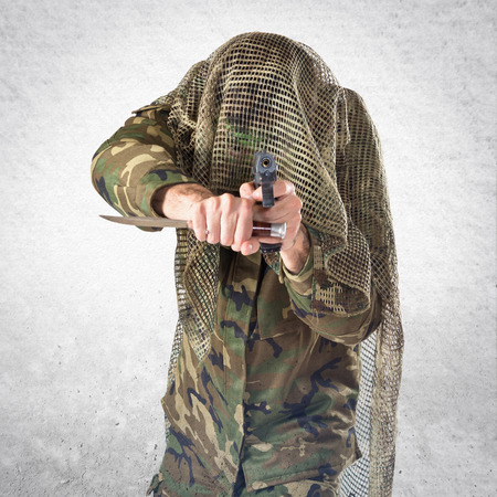 special service agent: Soldier shooting with a pistol