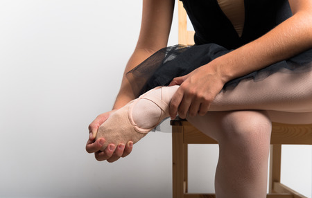 dancer legs: Young ballet dancer in studio