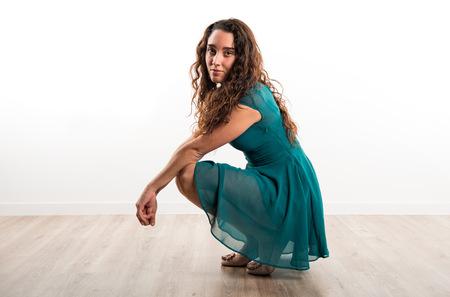 modelo adolescente que presenta en estudio Foto de archivo