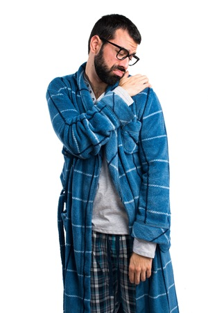 dressing gown: Man in dressing gown with shoulder pain