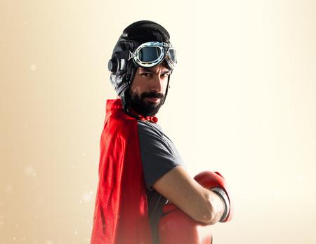 super cross: Superhéroe con guantes de boxeo