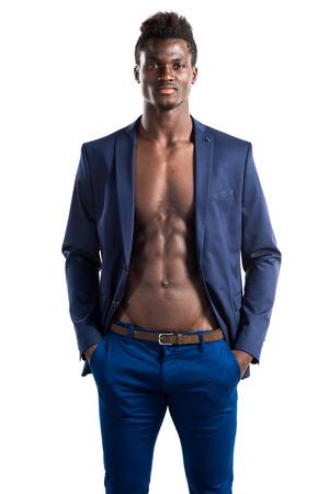 garcon africain: Bel homme posant noir