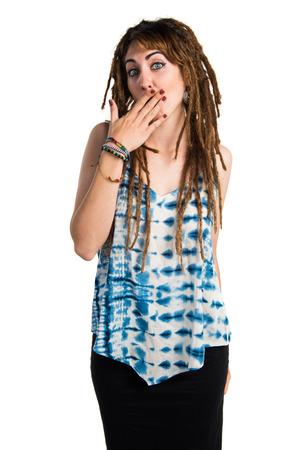rastas: Chica con rastas que hace gesto de la sorpresa