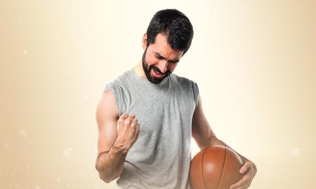 lucky man: Lucky man playing basketball