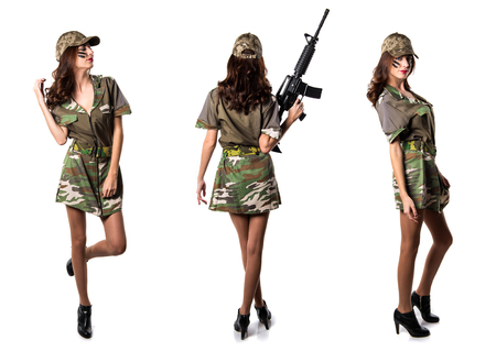 Military woman holding a rifle Banque d'images