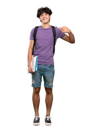 Una foto a figura intera di un giovane studente orgoglioso e soddisfatto di sé su sfondo bianco isolato isolated