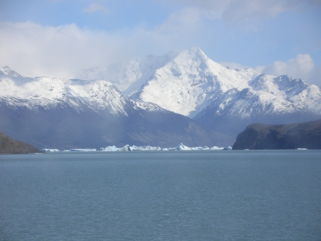 icebergs in Calafate photo