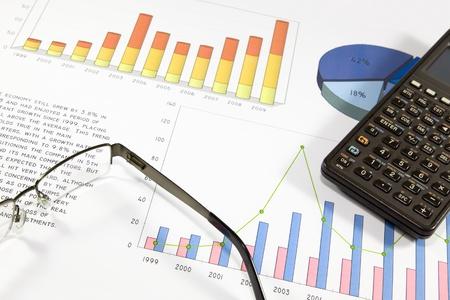 auditoría: De auditoría Financiera de la balanza de una empresa de éxito Foto de archivo