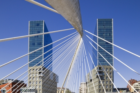 Arata Isozaki twin towers and Santiago Calatrava footbridge in Bilbao, Basque Country, Spain Zdjęcie Seryjne