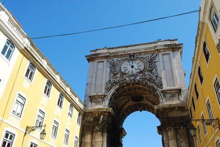 augusta: Arco de cruce de la calle Augusta de Plaza del Comercio en Lisboa, Portugal