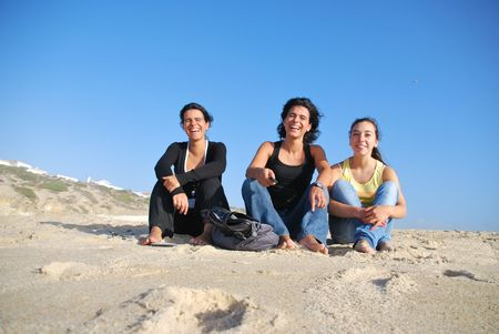 photo of sisters vacations at the beach photo