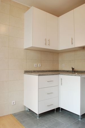 stone worktop: modern and small kitchen in white (wooden floor)