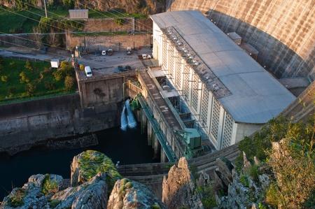 bode: Castelo de Bode Dam in Tomar, Portugal
