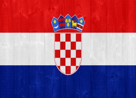 bandiera croazia: splendida bandiera Croazia dipinta su una tavola di legno texture