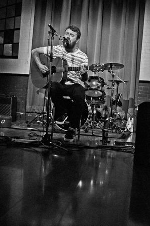 obey: LECTURA - 27 de abril de 2013: Liam O'Bey actuar en South Street Arts Centre en Reading, Reino Unido el 27 de abril de 2013. �Est�s escuchando? Festival es una nueva marca, un d�a de m�ltiples festival de m�sica sede en Reading, Berkshire apoyo Reading Mencap. Editorial
