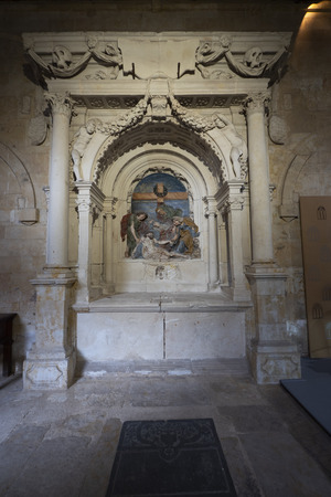 Sepulcher of the archdian Gutierre de Castro in the cloister of the Cathedral of Salamanca, Spain. Editorial