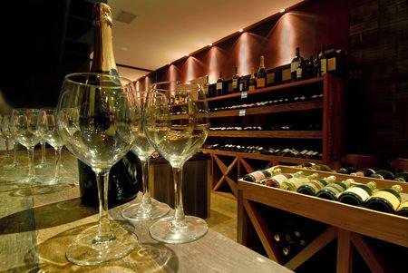 vino: wine cellar