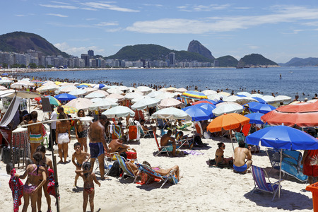 rio de janeiro: RIO DE JANEIRO :People on the Beach in Rio de Janeiro Editorial