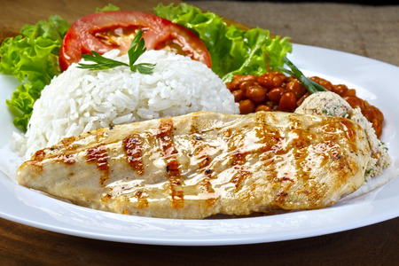 arroz blanco: filete de pollo a la parrilla Foto de archivo