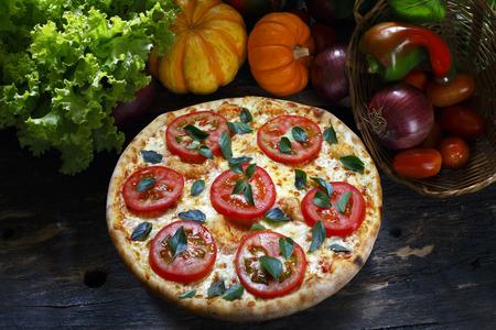 margherita: Pizza margherita