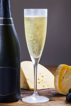 Champagne with cheese