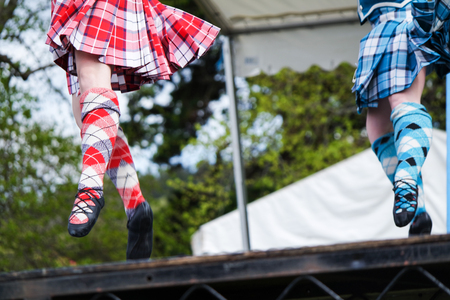스코틀랜드 고원 경기에서 하이랜드 댄서