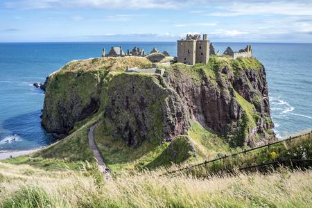 ダンノッタル城跡 - ストーンヘブン - スコットランド