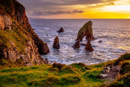 Crohy Head Sea Arch Breeches during sunset - County Donegal, Ireland Reklamní fotografie - 130685365
