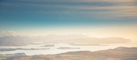 Isle of Skye landscape - Loch Bracadale, Cuillin Mountains, Atlantic Ocean Stockfoto
