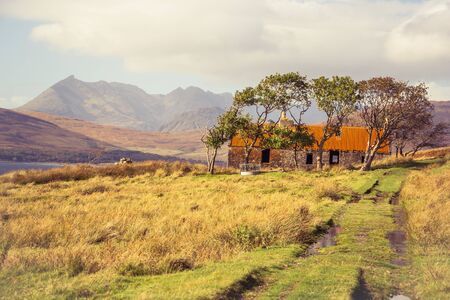 Ruins of an old farm and croft house in the Highlands, Isle of Skye Banco de Imagens - 130598011
