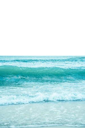 Ocean waves crashing on the shore Reklamní fotografie