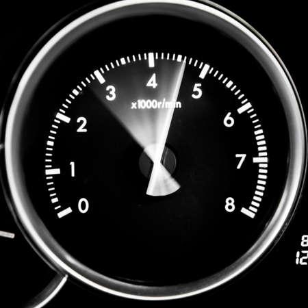 Car dashboard dials - engine RPM (rotations per minute) Banque d'images