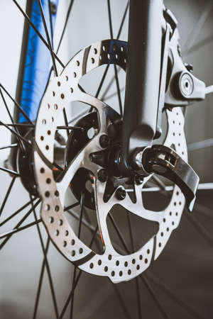 Bicycle disc brakes and quick release. Standard-Bild