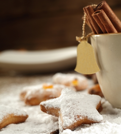 christmas star with icing sugar Stock Photo - 17315156