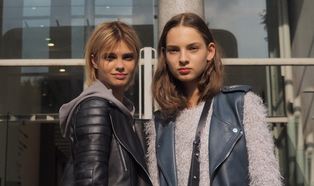milánó: SEPTEMBER 22, 2016: Two new models posing for photographers after EMILIO PUCCI fashion show, Milan Fashion Week Spring  Summer 2017