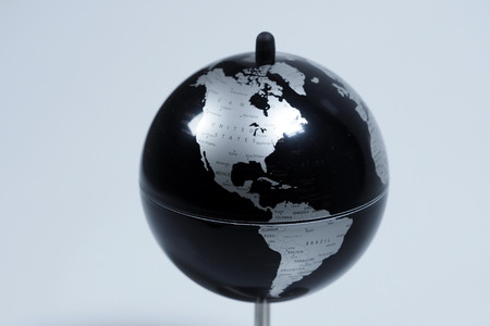 Mappa del mondo in bianco e nero Archivio Fotografico - 90261690