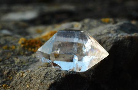 Trasparent quartz on the rock Banque d'images